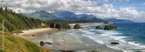 Cannon Beach in Oregon - 151584995