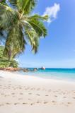 traces de pas sur plage d'anse Lazio, Praslin, Seychelles