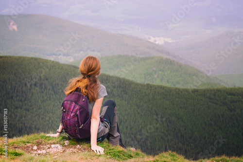 Fotobehang Purper girl hiker