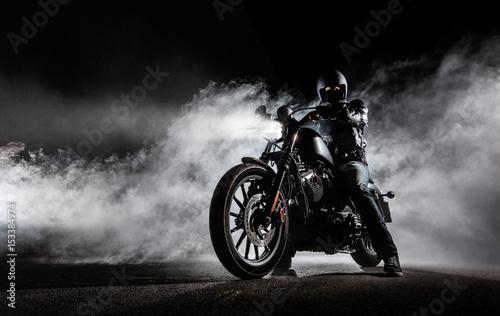 motocyklista-i-motor,-zdjecie,-plakat,-tlo