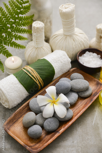 Tuinposter Spa Composition of bath spa treatment on gray background