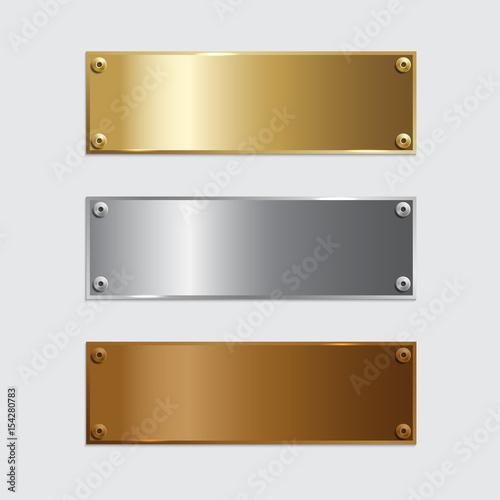 Wektor złoty, srebrny i brązowy podium płytki na białym tle na szarym tle.