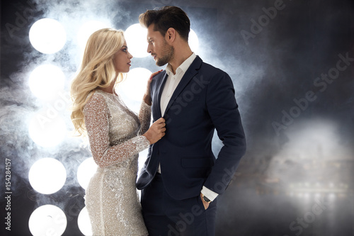 Fotobehang Konrad B. Romantic style portrait of an elegant couple