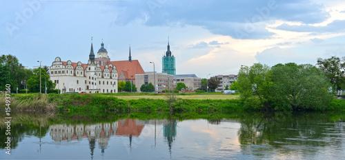 Fotobehang Centraal-Amerika Landen Skyline Dessau Rosslau mit Blick über die Mulde