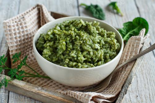 Risotto with spinach cream - 155781941