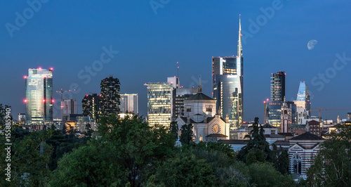 Spoed canvasdoek 2cm dik Milan Milan skyline by night, Italy