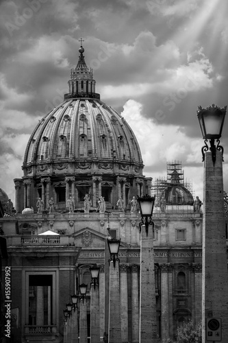 Fototapeta Dome of St. Peter in Rome, black and white