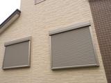 住宅の窓の防火シャッター - 156148957
