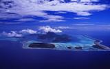 Französisch Polynesien: Luftbild von der LAgune der Südseeinsel Bora Bora