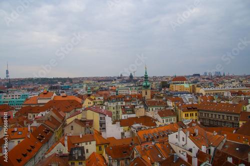 Vista dall'alto dei tetti del centro di Praga dalla torre dell'orologio, Repubbl