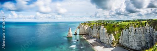 Leinwandbild Motiv Panorama in Etretat/France alabaster coast