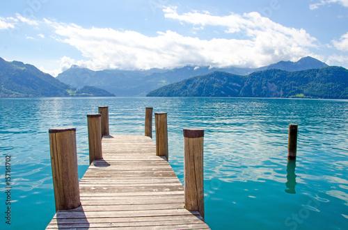 Szwajcarska idylla z jeziorem i wieczorne niebo do snu: jezioro, wakacje, czas na relaks, medytacja, nieskończoność :)