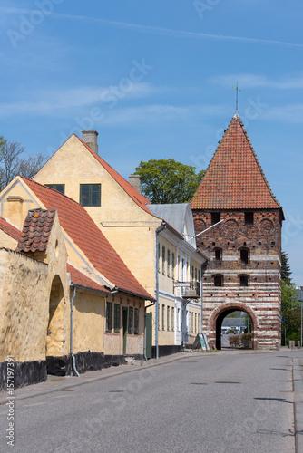 Poster Altstadt von Stege mit Mon Museum und alten Stadtturm, Seeland, Dänemark
