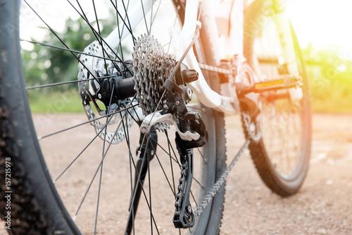 Zamknij się szczegóły rowerów, łańcuch i mechanizm zmiany biegów