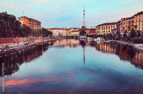 Milano, tramonto sulla Darsena