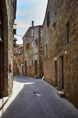 Poster Smal steegje Old Tuscany town. Italy concept