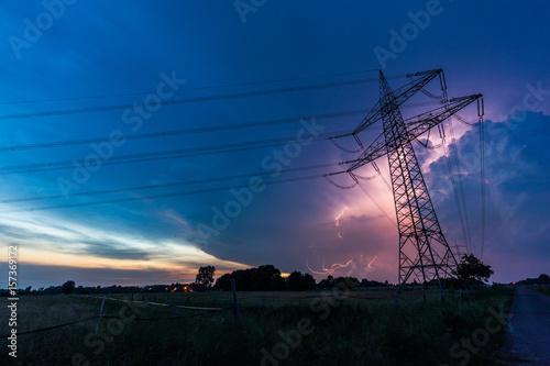 Fotobehang Thailand Strommasten im Gewitter