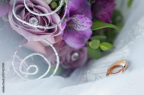 Poster Свадебные кольца и букет невесты.