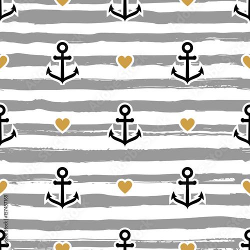 pasiasty-wzor-morski-kotwice-i-serca