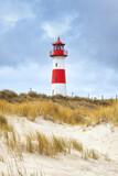 Leuchtturm List Ost in den Dünen der Sylter Halbinsel Ellenbogen - 157526740