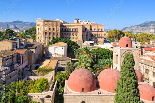 Fotobehang Palermo The famous red domes of the Church of St. John of the Hermits San Giovanni degli Eremiti and the Norman Palace Palazzo dei Normanni - Palermo, Sicily, Italy