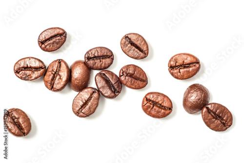 ziarna kawy na biały, widok z góry