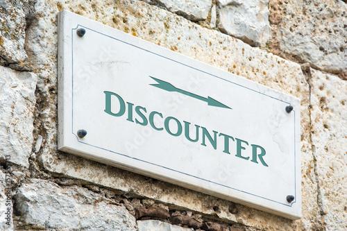 Schild 117 - Discounter