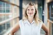 canvas print picture - Junge blonde Frau auf Jobsuche