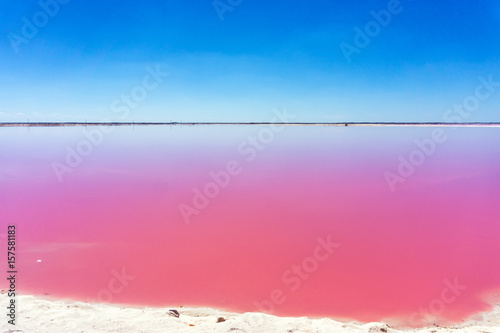 Papiers peints Rio de Janeiro Beautiful pink water and clear blue sky near Rio Lagartos, Mexico