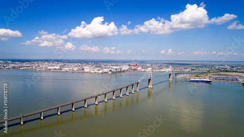 Photo aérienne du pont de Saint Nazaire, en Loire Atlantique, France