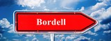 Hinweisschild Bordell - 158350765