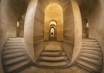 Fototapeta Schody po schodach w starym kościele