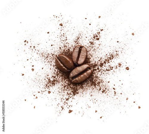 Wall mural Shattered coffee powder isolated on white background