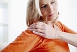 Shoulder pain in an elderly person - 158950140