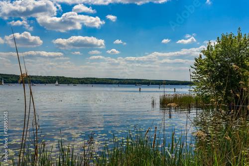 Naturidylle und Freizeitparadies: Der Templiner See bei Potsdam Poster
