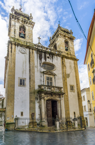 Foto Murales View at the church of Saint Bartholomew in Coimbra ,Portugal