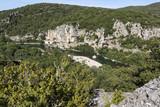 Typische Landschaft in der Ardeche, Südfrankreich