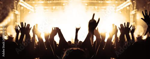 Menschenmenge beim Festival - 159363760