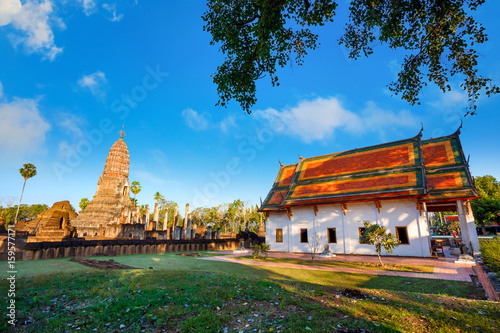 Foto op Plexiglas Japan Wat Phra Si Rattana Mahathat - Chaliang at Si Satchanalai Historical Park, a UNESCO World Heritage Site in Thailand