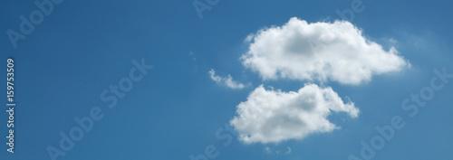 Fond panoramique deux nuages