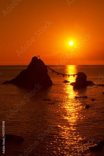 夫婦岩昇陽