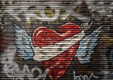 Herz Graffiti an Rollbalken eines Schaufenster