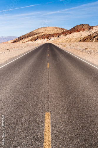 panoramiczny-widok-open-road-park-narodowy-death-valley-national-highway