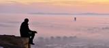 Sabah Erken Manzaranın Tadına Varan İnsan - 159799396