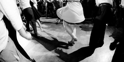 Ballare alla festa di musica swing
