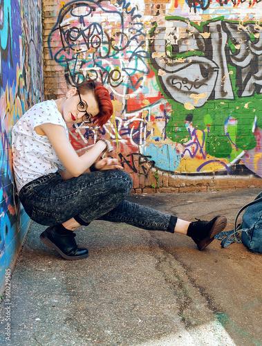 Hip hop dancer dance in a urban background - 160229585