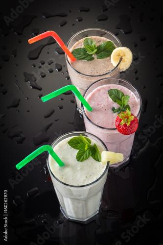 Foto op Aluminium Milkshake Milkshakes on a black background