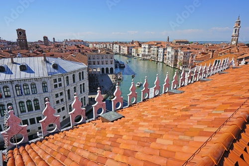 Aluminium Oranje eclat Landscape view over the red roofs of Venice, Italy seen from the Fondaco dei Tedeschi