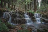 Kleiner Wasserfall am Gebirgsbach