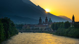 Innsbruck zu Sonnenaufgang - 161158711